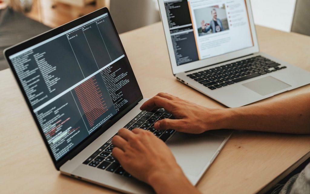 Razvoj softvera i njegovi rizici